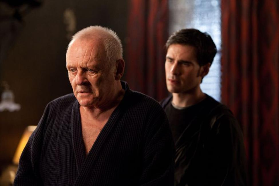 Anthony Hopkins as Father Lucas and Colin O'Donoghue as Michael Kovak in