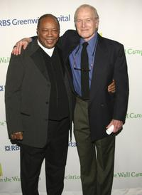 Paul Newman and Quincy Jones at the Singers and Songs Celebrate Tony Bennett's 80th Birthday.
