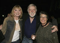 Singers Diane Lee, Barry Crocker and Helen Reddy at the opening night of