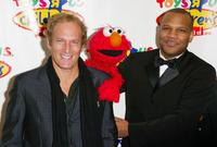 Michael Bolton and Kevin Clash at the Toys R' Us Children Fund 18th Annual Benefit Dinner.