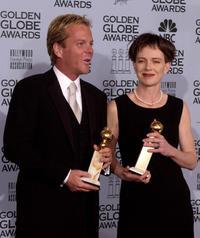 Judy Davis and Kiefer Sutherland at the 59th Annual Golden Globe Awards.