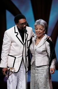 Ruby Dee and Spike Lee at the Film Life's 2006 Black Movie Awards.
