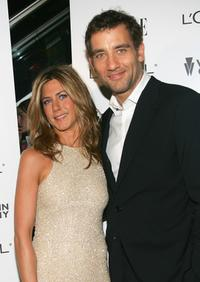 Jennifer Aniston and Clive Owenat the premiere of
