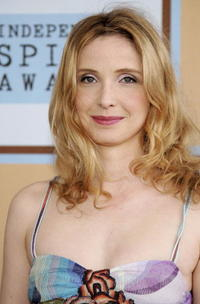 Julie Delpy at the Film Independent's 2006 Independent Spirit Awards at Santa Monica Beach.