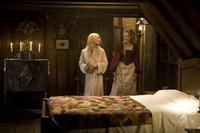 Yvaine (Claire Danes), a fallen star, falls into the clutches of the scheming Lamia Michelle Pfeiffer in