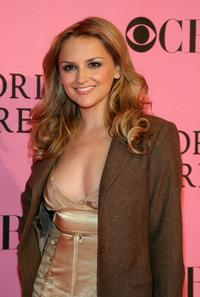 Rachael Leigh Cook at the 2007 Victorias Secret fashion show.