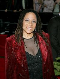 Denise Dowse at the 31st Annual People's Choice Awards.