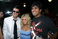 Johnny Knoxville, Jessica Simpson and Jay Chandrasekhar at the premiere of