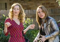 Leslie Mann as Scarlet and Nicole Sullivan as Naomi in