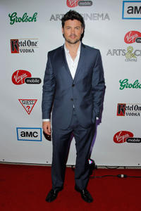 Karl Urban at the premiere of