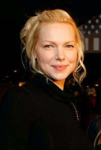 Laura Prepon at the New York rescue workers detoxification project charity event.