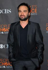 Johnny Galecki arrives at the People's Choice Awards 2010.