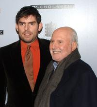 Chris Weitz and Michael Lynne at the premiere of