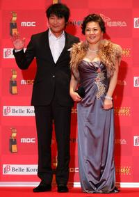 Song Kang-ho and Kim Hae-Sook at the 7th Korean Film Awards.