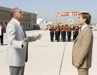 John Farley (Seann William Scott), right, gets a hometown welcome from the band in