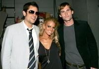Johnny Knoxville, Jessica Simpson and Seann William Scott at the 2005 MTV Movie Awards.