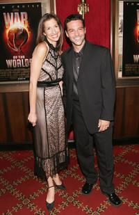 Alysia Reiner and her husband David Alan Basche at the premiere of