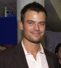 Josh Duhamel at the People's Choice Awards.