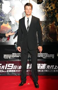 Josh Duhamel at the Japan premiere of