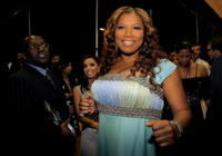 Queen Latifah backstage during the 33rd Annual People's Choice Awards.