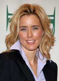 Téa Leoni at Prive Salons' Cut for A Cure: Breast Cancer Awareness event.