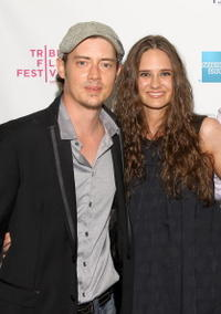 Jason London and Jeanette McNeil at the premiere of
