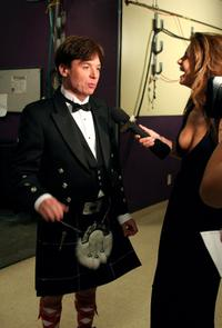 Mike Myers and Maria Menounos at the backstage of 34th afi Life Achievement Award.