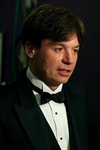 Mike Myers at the backstage of 34th afi Life Achievement Award.