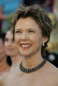 Annette Bening at the 77th Annual Academy Awards.