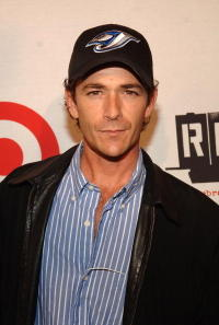 Luke Perry at the 10th Anniversary of