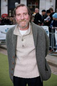 Pete Postlethwaite at the premiere of