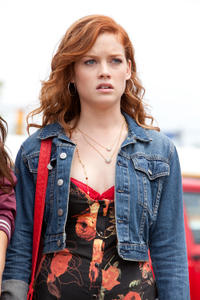Jane Levy in