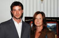 Noah Wyle and his wife Tracy Warbin at the