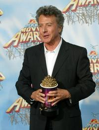 Dustin Hoffman at the 2005 MTV Movie Awards.