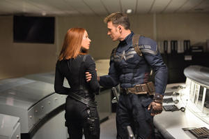 'Captain America: The Winter Soldier' Star Chris Evans, on the Costume Update, His Favorite Scenes and Not Being a Jackass