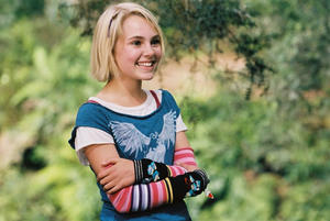 "AnnaSophia Robb in ""Bridge to Terabithia."""
