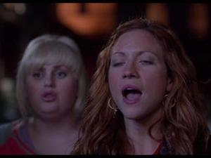 Pitch Perfect: Bellas Vs Trebles (Featurette)