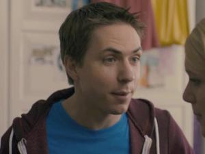 The Inbetweeners: Carli Breaks Up With Simon
