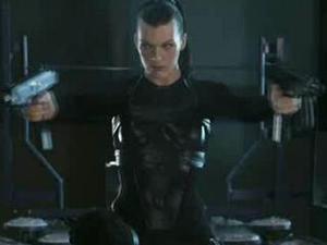 Resident Evil: Afterlife (Needle Dive)