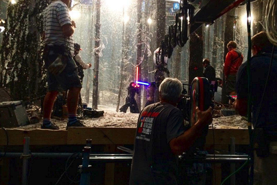 See How Cool the Lightsabers Looked on the Set of 'Star Wars: The Force Awakens'