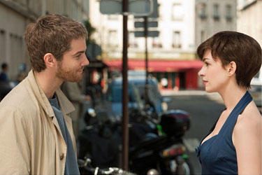 Jim Sturgess and Anne Hathaway in