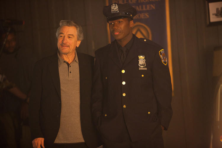Robert De Niro as Vic Sarcone and 50 Cent as Malo in