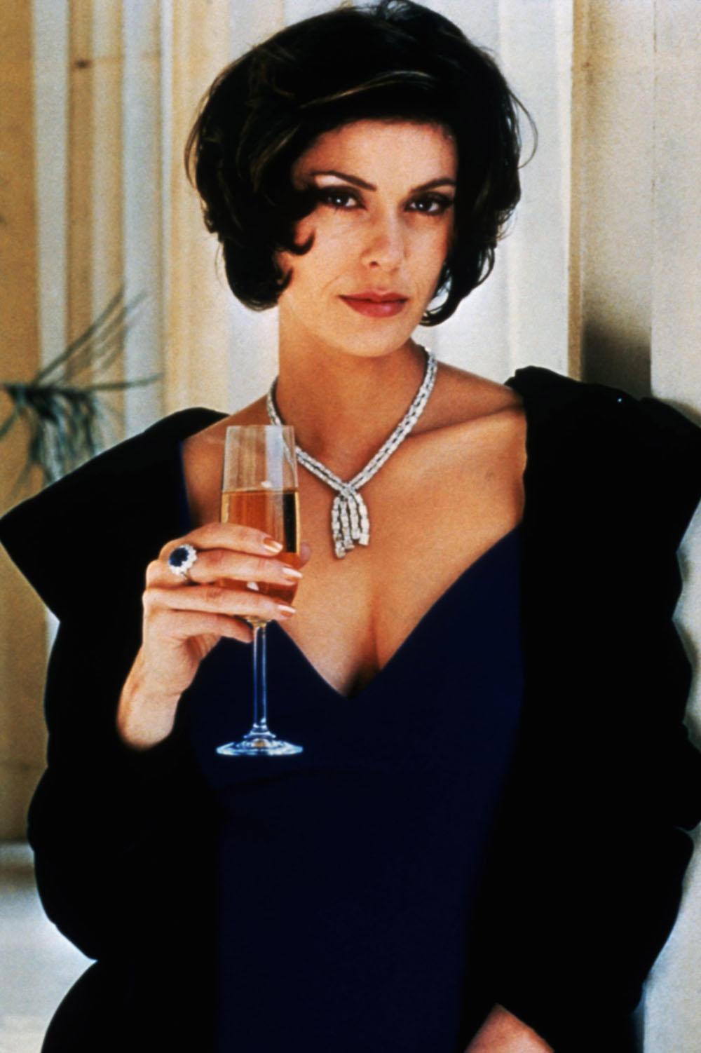 Top 40 Countdown: The Hottest Bond Girls | Fandango