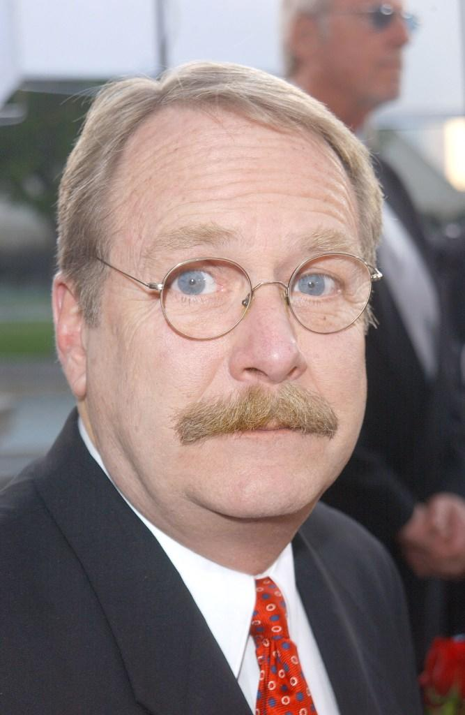 Martin Mull at the 28th Annual Peoples Choice Awards.