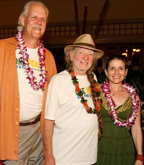 Producer Turk Pipkin, Willie Nelson and producer Christy Pipkin at the 10th Annual Maui Film Festival 2009.