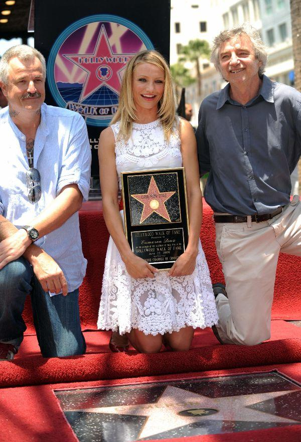 Nick Cassavetes, Cameron Diaz and Curtis Hanson at the Hollywood Walk of Fame.