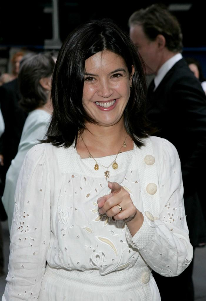 Phoebe Cates and s
