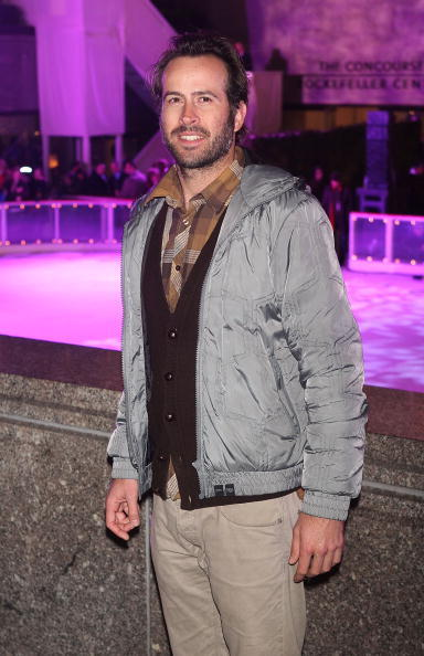 Jason Lee atthe 75th annual Rockefeller Center tree lighting ceremony in New York City.