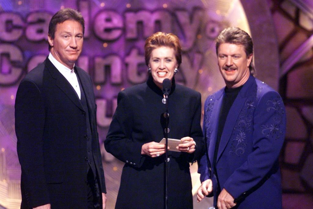 Alan Autry, Janie Fricke and Joe Diffie at the 34th Annual Academy of Country Music Awards.