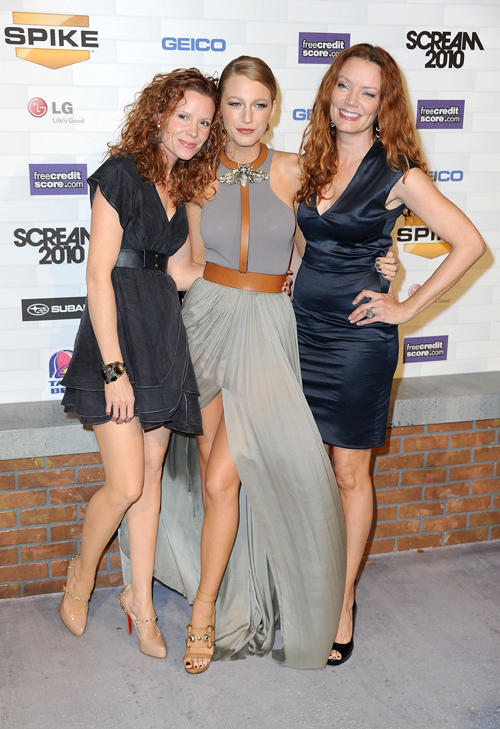 Lori Lively, Blake Lively and Robyn Lively at the Spike TV's
